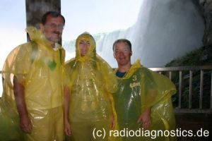 10 - Rainer, Sonja und Christian auf der Journey behind the Falls