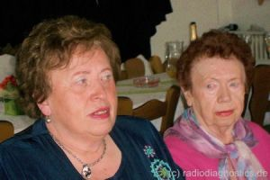 11 - Mutter mit Tante Kaethe
